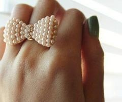sweet bow ringPearls Bows, Mint Nails, Style, Pearls Rings, Bows Rings, Jewelry, Bow Rings, Accessories, Green Nails