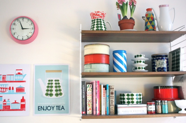 : Sweet, Plates, Heart, Petite Shelves, Enjoying Teas, Leaves, Kitchens Dinning, Vintage Style