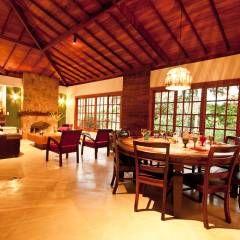 Sala Estar/ Jantar: Salas de jantar rústicas por Jaqueline Vale Arquitetura