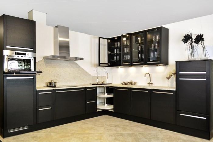 Op zoek naar een exclusieve hoek keuken en design badkamer? hoekkeuken, design badkamers kopen en verkopen tegen een aantrekkelijke prijs.