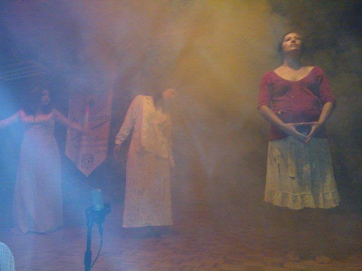 Presentacion de la obra de teatro Hécuba, en la FES Cuautitlán