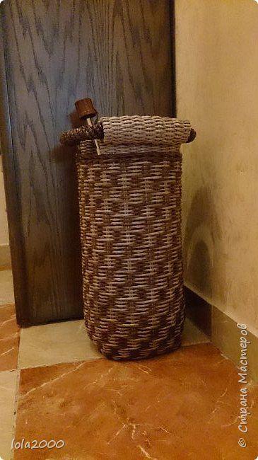 Поделка изделие Плетение подставка для зонтов Бумага Трубочки бумажные фото 1