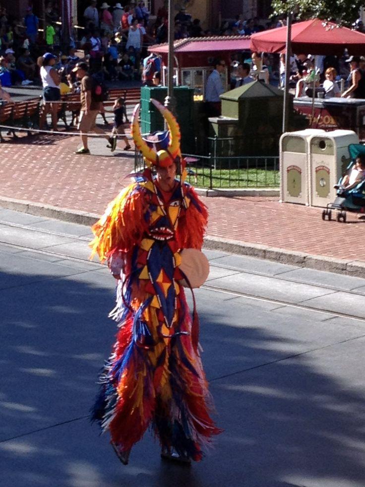 Más vestuarios coloridos #disneyland #disneyparks #ladodisney #disneyside #disneyfashion