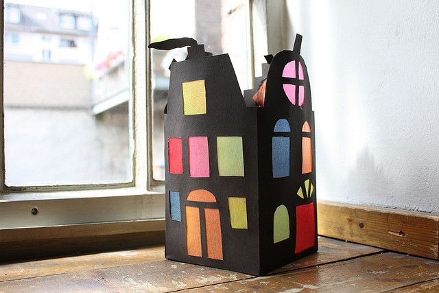 Colourful house lantern design idea for kids. Image from Flickr.