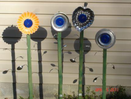 driveway reflector flowers | Trash to Treasure | Pinterest ...