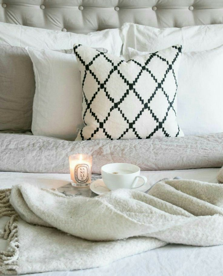 Coffee Photography, White bedroom, ikat, White Interior, Diptyque.
