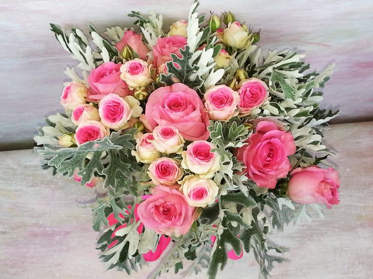 let's pink :). beautiful bouquet with pink roses and spray. #miozotisbouquet #love #pink