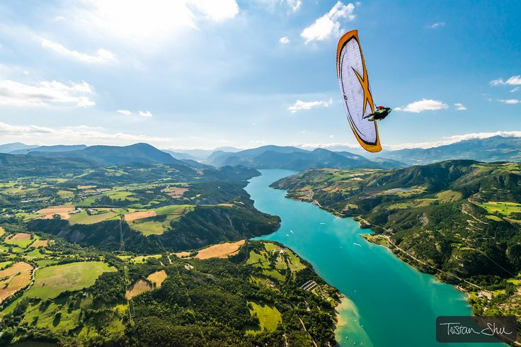 https://flic.kr/p/fSsG37 | Wing-Over lac de Serre-Poncon with Michael Regnier | Saint Vincent les Forts, Alpes de Haute Provence, France ©