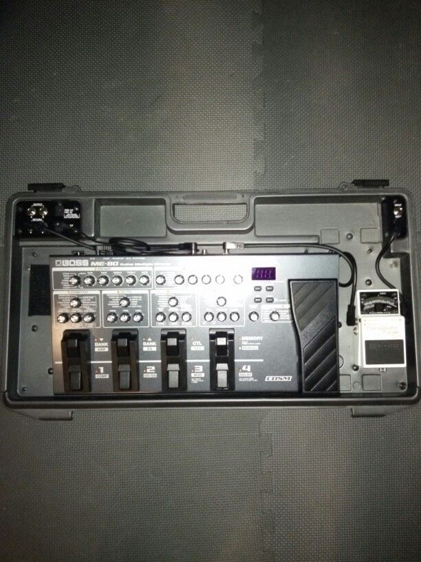 Boss me 80 pedal mounted in a bcb 60 board for guitar for Beistelltisch 80 x 60