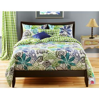 @Overstock.com - Bali 4-piece Duvet Cover Set - Update the decor in your bedroom with this pretty duvet cover set. The set is constructed from 100 percent polyester, making it easy to care for, and the cover and pillows are reversible, allowing you to change things up every now and then.  http://www.overstock.com/Bedding-Bath/Bali-4-piece-Duvet-Cover-Set/7843904/product.html?CID=214117 $119.99