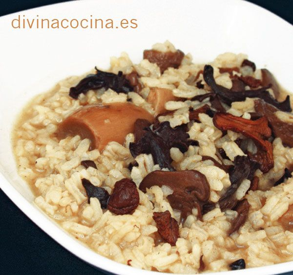 Para 6 personas: 500 gr arroz redondo – 300 gr de setas variadas, boletus, champiñones Portobello, setas de cardo... o un mix de setas congeladas o deshidr ...