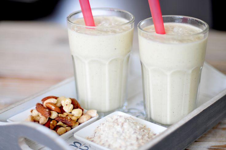 Ontbijtdrank met havermout en noten