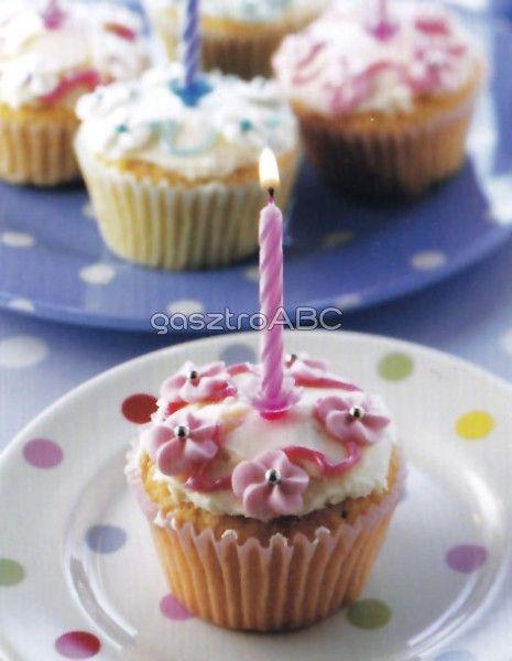 Születésnapi tortácskák | Receptek | gasztroABC
