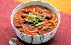 レトルトカレーでつくるカレーうどん|レシピ|ハウス食品