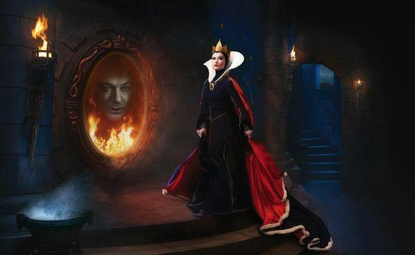 Olivia Wilde et Alec Baldwin en vilaine Belle-mère et Miroir magique, par Annie Leibovitz