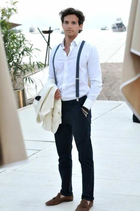 mens style fashion: great gatsby style 1920s white shirt, suspenders, navy pants, brown suede loafer shoes, white dinner jacket blazer