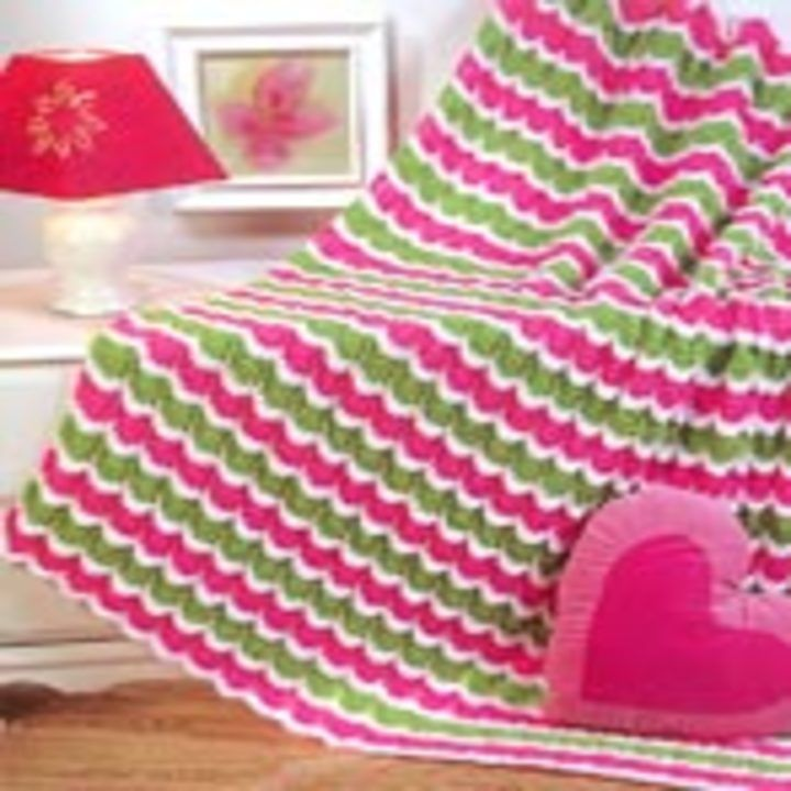 You don't have to pay money to find knitting patterns.With this knitty patterns free blog, you can find lot of awesome free knitting patterns to start knit. #knitting #patterns | www.housewiveshobbies.com |