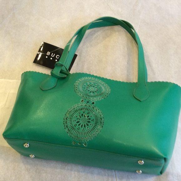 🆕BUCO shoulder bag Kelly green shoulder bag with a removable bag inside. Louenhide Bags Shoulder Bags