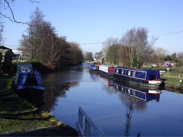 Narrow boats at Wheat Lane, Burscough - geograph.org.uk - 333523.jpg