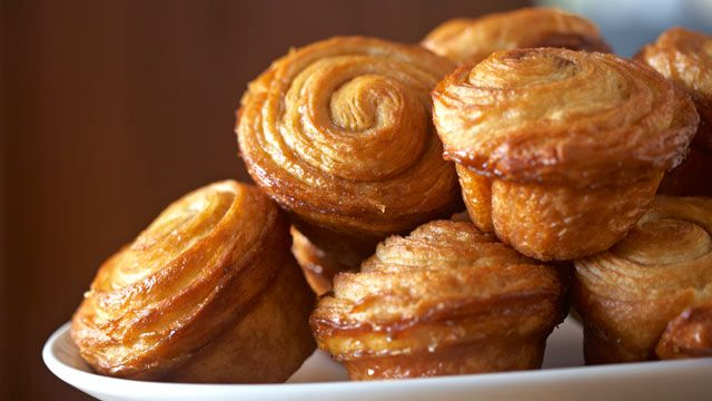 Good Morning America, co-hosted by Diane Sawyer, Robin Roberts, Chris Cuomo and Sam Champion, features recipes by gourmet chefs in the GMA test kitchen every morning. This recipe for Easy Sticky Buns, a breakfast or brunch recipe, is brought to your kitchen by Ina Garten.