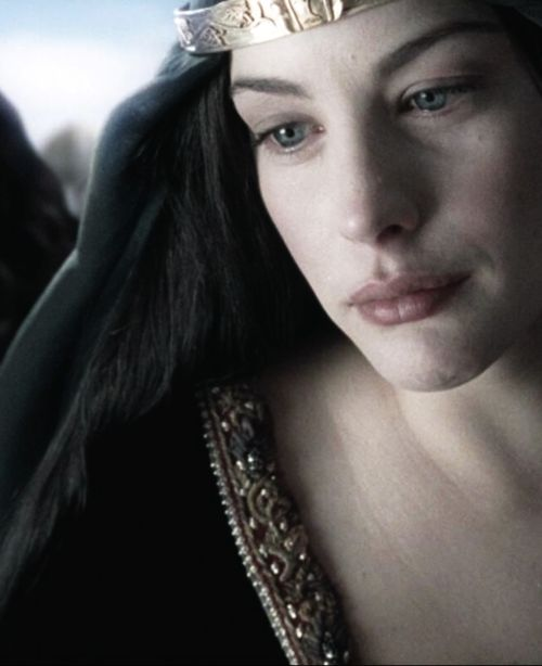 Arwen in mourning (The Return of the King, 2003)