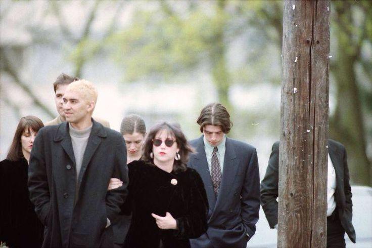 Nirvana - Kurt Cobain's funeral (1994) Pat Smear, Krist Novoselic, Dave Grohl