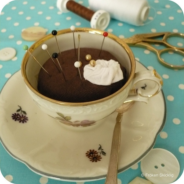 Hot Chocolate Pin Cushion: Cushion Tutorial, Craft, Hot Chocolate, Pin Cushions, Teacup Pincushion, Pincushions, Skicklig Fr Ö Ken