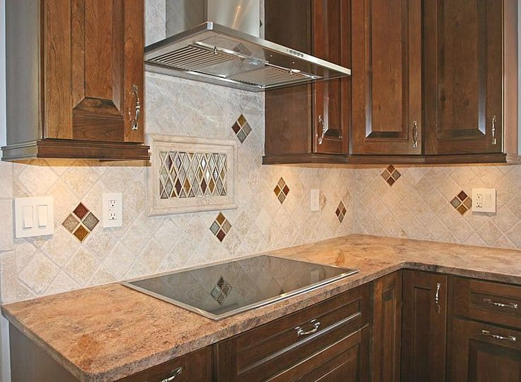 Superior Kitchen Backsplash Tile Patterns | Kitchen Remodeling Pictures Of Kraftmaid  Cabinets With Tumbled Marble .