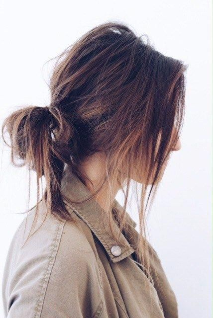 Today I wanna talk about the unsung hero of hairstyles…The messy b u nEveryone…