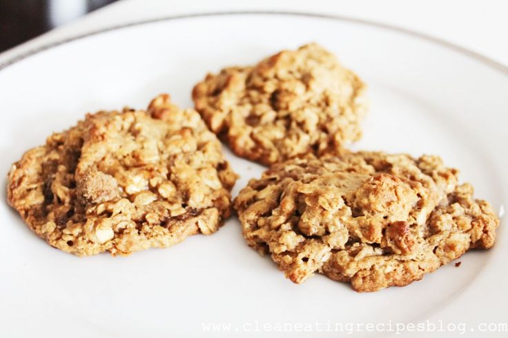 Clean Eating Dessert – Oatmeal Peanut Butter Cookie | Clean Eating Recipes - Clean Eating Diet Plan Made Easy