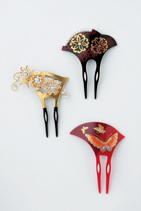 kanzashi (Japanese hair accessory) my daughter has some of these. They are so beautiful.