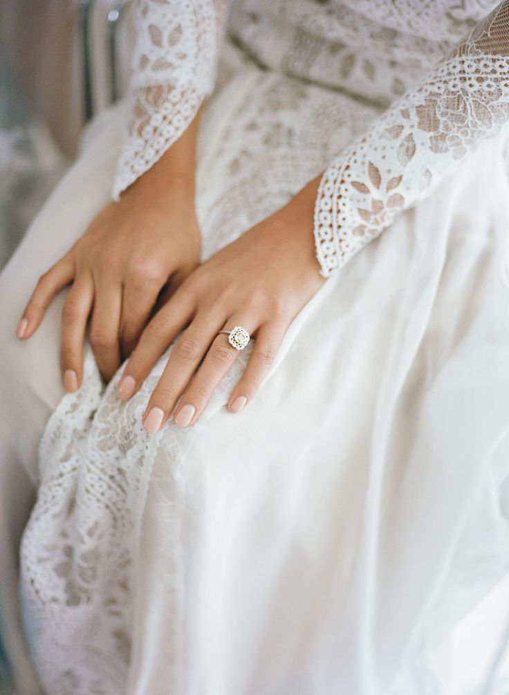 Pretty natural wedding nails