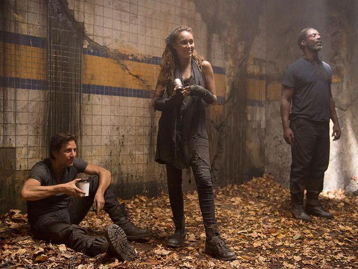 The 100 CW - Henry Ian Cusick, Isaiah Washington, Alycia Debnam-Carey - Marcus Kane, Thelonious Jaha, Commander Lexa - coffee break