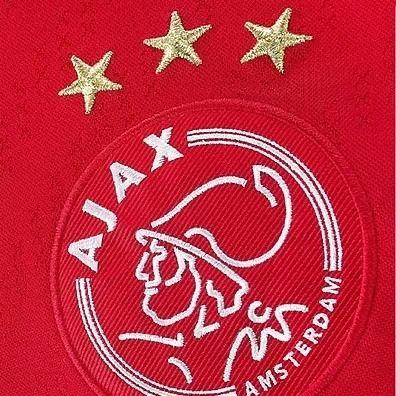 Ajax mijn droomclub. De moeite waard om elk weekend heen te gaan!