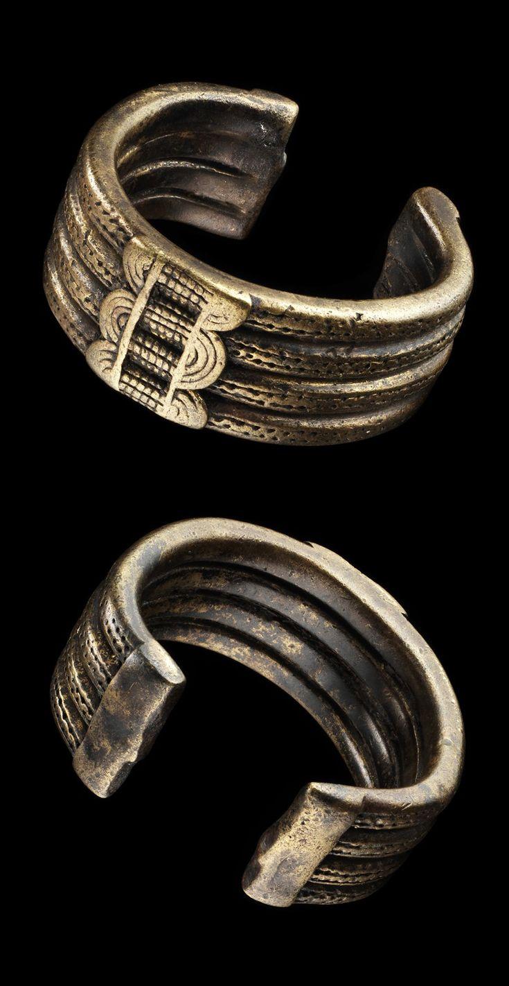Africa | Bracelet from the Gurunsi people of Burkina Faso | Bronze alloy