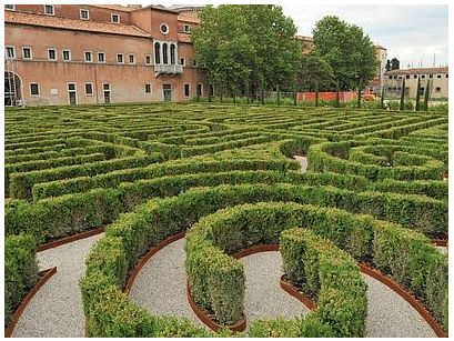 Venezia, Giardino-labirinto, Fondazione Cini, Isola di S. Giorgio Maggiore. Arch. Randoll Coate (3250 piante di bosso)
