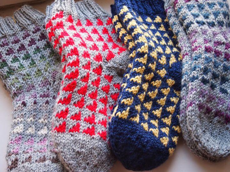 Triangle socks Tanssivat kädet - Dancing hands