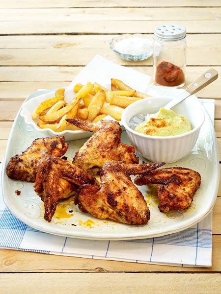 Hot Chicken Wings mit Avocadodip und selbstgemachten Pommes