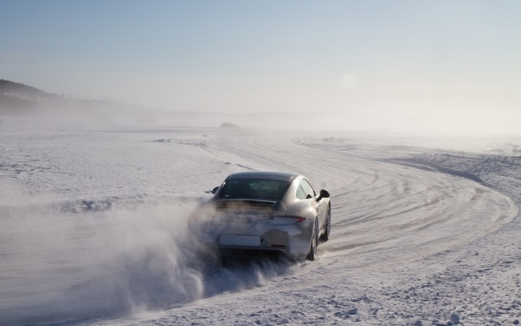 Drifting on the frozen lake. Porsche Camp 4S Ivalo Finland