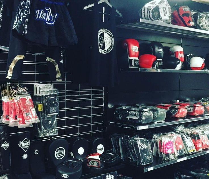 New boxing gear available @combat.defence.systems Combat Defence Systems is the only academy in WA with qualified INOSANTO International Martial Arts Instructors. #wa #mma #academy #muaythai #boxinggloves #boxer #combat #sports #fitness #training #mixedmartialarts #punch #punchequipment #shinpads #headgear