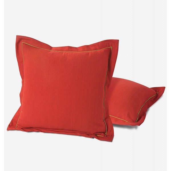 Maroon Cushion Cover- Maroon, this color combination never fails to exhibit royalty and sleekness.
