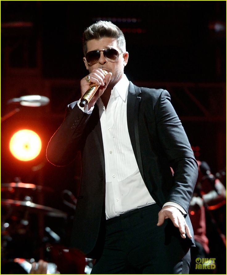 Robin Thicke - BET Awards 2013 Blurred Lines ft. TI and Pharrell
