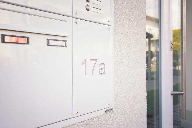 Unterputz Briefkasten mit Klingel und Sprechanlagen Vorbereitung. Genau auf ihren Bedarf geplant und gefertigt.