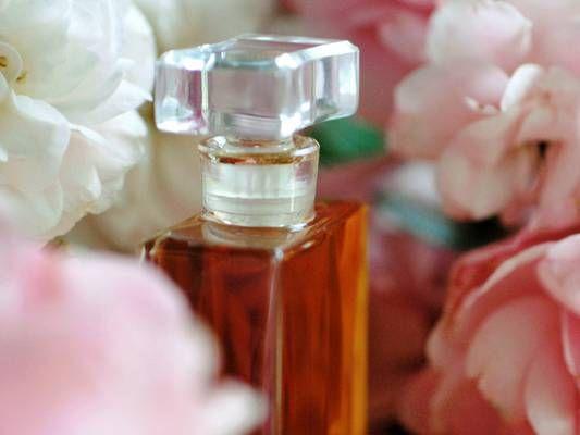 Jak vyrobit domácí parfém - Domácnost - MojeDílo.cz