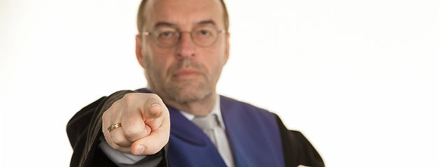 Die 240 wichtigsten Gerichtsurteile Arbeit, Verkehr, Scheidung, Patienten: Das ist ihr gutes Recht. Deutsche Gerichte fällen tagtäglich bahnbrechende Urteile, auf die auch Sie sich im Streitfall berufen können. http://www.focus.de/finanzen/recht/gerichtsurteile/