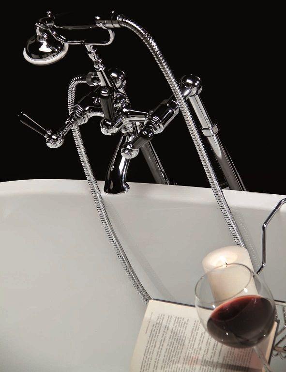 Rubinetteria Victoria RN500/C #GaiaMobili #Gaia #bathroom #bagno #bathroomideas #bath #madeinitaly #italian #bathroompics #architect #interior #interiordesign #bathroomideas #design #designer #taps #rubinetteria #faucets #faucet #rubinetto #style #styles #details #chrome #arredobagno #arredamento #classico #bagnoclassico #vasca #gruppovasca #bathtub