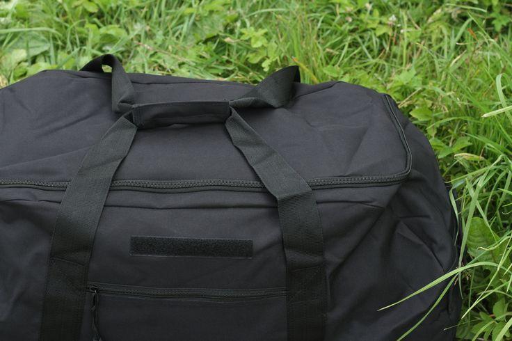 Army cestovná taška s objemom ca. 83 litrov od značky Surplus v čiernom prevedení. http://www.armyoriginal.sk/1741/133051/cestovna-taska-cierna-surplus.html