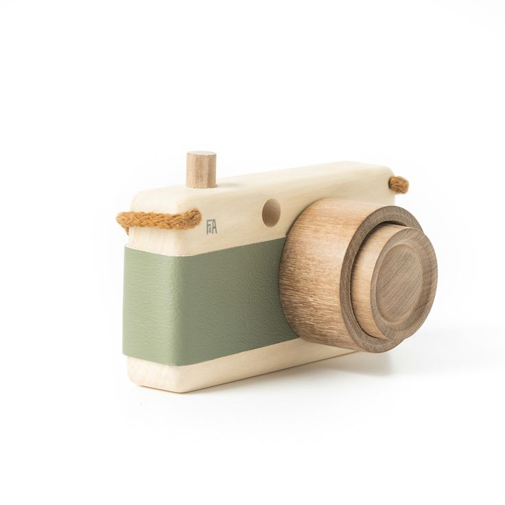 Fanny & Alexander Wooden Zoom Toy Camera at www.perfectlysmitten.com