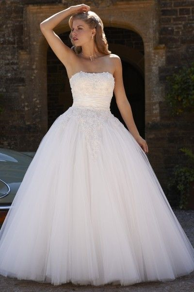 This Is Our Romantica Bridal Gown Savannah From 2013 Collection Glamorous Design Has A Full Tulle Skirt And Intricate Lace Detailing