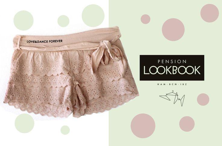 """Los cómodos pantalones cortos hechos de encaje opaco suave rosa pálido / / correa de algodón puños / / jersey / impresión / pantalla """"AMOR Y DA..."""